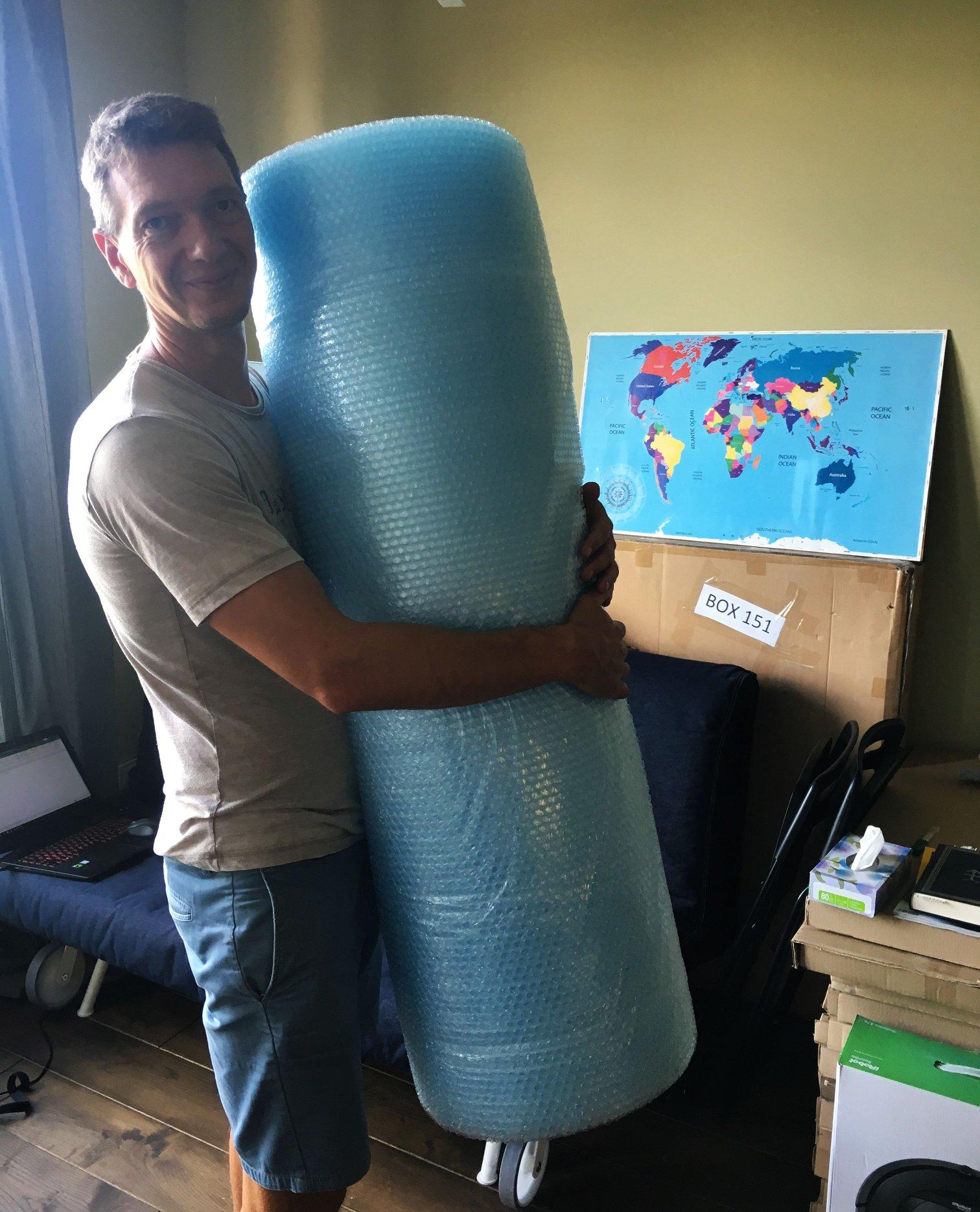 Pakuotojas kraustomes Australija Bezdziones nuotykiai.jpg